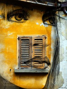 The yellow face with the old window by gabihampe. @go4fotos