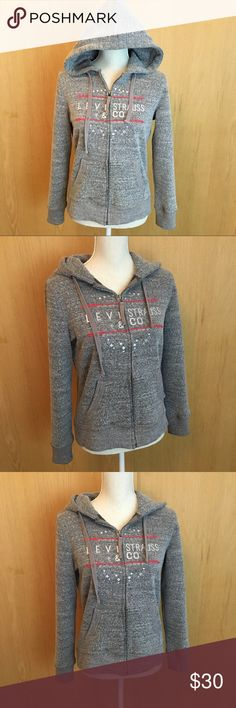 LEVI'S HOODIE LEVI'S HOODIE size small. Great condition! No trades offers welcome:) Signature by Levi Strauss Sweaters