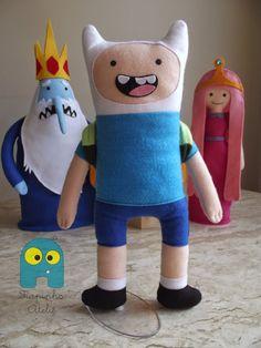 A aventura vai começar...   Finn, Jake, Rei Gelado e Princesa Jujuba no Fiapinho Ateliê.