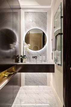 Luxury Bathroom Ideas is extremely important for your home. Whether you choose the Luxury Bathroom Master Baths Marble Counters or Luxury Master Bathroom Ideas Decor, you will make the best Small Bathroom Decorating Ideas for your own life. Toilette Design, Bad Inspiration, Bathroom Inspiration, Bathroom Ideas, Mirror Bathroom, Master Bathroom, Bathroom Marble, Budget Bathroom, Wooden Bathroom