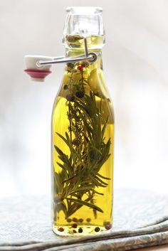 Geschenke aus der Küche: Kräuteröl