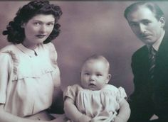 Another rare pic of Robert Plant and his parents c.1949