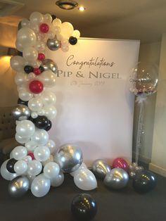 Wedding Balloon Decorations, Wedding Balloons, Ornament Wreath, Ornaments, Wreaths, Home Decor, Homemade Home Decor, Door Wreaths, Deco Mesh Wreaths