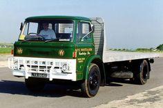 D series Cool Trucks, Big Trucks, Classic Trucks, Classic Cars, Tow Truck, Truck Icon, Vintage Children Photos, Old Lorries, Colani