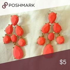 """Matte Coral/Pink Dangle Earrings NWOT. Matte finish with gold accents. Never worn. 2 1/4"""" in length. Perfect accent to spice up a boring outfit!! Aldo Jewelry Earrings"""