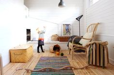 Love this house. So very Scandinavian.  KOTIPALAPELI blog for more.