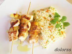 Blog de cuina de la dolorss: Mini brochetas de pollo y piña con arroz salteado