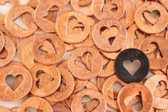 10 Heart Penny / wedding favors . rustic wedding decor heart pennies lucky penny lucky coin heart favors by TheLonelyHeart on Etsy https://www.etsy.com/listing/129534576/10-heart-penny-wedding-favors-rustic