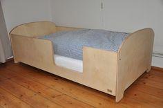 Kinderbetten - Kinderbett Kostenloser Versand - ein Designerstück von ManufakturBonin bei DaWanda