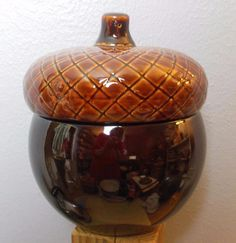 """Ceramic Acorn Cookie Jar with Lid 9""""  Brown Better Homes and Gardens"""