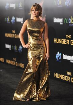 Jennifer Lawrence dazzles in metallic Prabal Gurung for 'The Hunger Games' LA premiere Gold Prom Dresses, Gold Dress, Satin Dresses, Evening Dresses, Jennifer Lawrence, Mtv, Kentucky, Prabal Gurung, Fashion Tips For Women