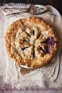 blueberry pie ~ 🌿🍪 Pinterest: xchxara 🍪🌿