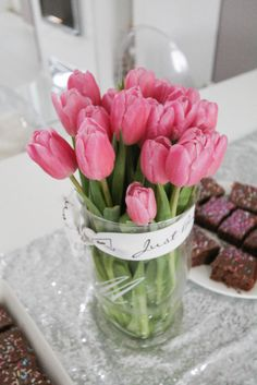 Coconut White - Tulips