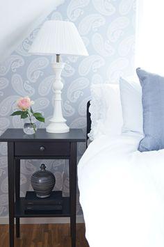 Bedroom, side table Romantisk stil   Simplicity   Sköna Hem
