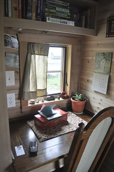 tiny house desk area - To connect with us, and our community of people from Australia and around the world, learning how to live large in small places, visit us at http://www.Facebook.com/TinyHousesAustralia If you like please follow us!