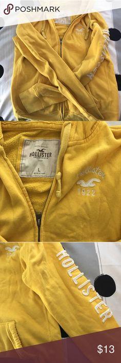 LARGE YELLOW HOLLISTER JACKET Size large, yellow, hollister jacket Hollister Sweaters