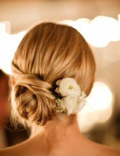 brooklyn bride - real wedding - hannah & brad - bride - getting ready - wedding hairstyle - updo