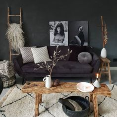 Be creative and see our 14 stunning living room wall ideas to decorate your wall without hiring an interior designer and knocking out walls. Room Design, Home Decor, Farmhouse Style Bedroom Decor, Living Room Interior, Home Decor Pictures, Interior Design Living Room, Interior Design, Interior Design Bedroom, Living Room Designs