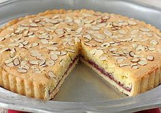 Italian Almond Raspberry Tart (looks like a great Mother's Day dessert!)