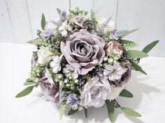 Bridesmaid Bouquet White, Purple Wedding Bouquets, Lavender Bouquet, Silk Flower Bouquets, Prom Flowers, Rose Wedding Bouquet, Wedding Flowers, Henna Flowers, Prom Bouquet