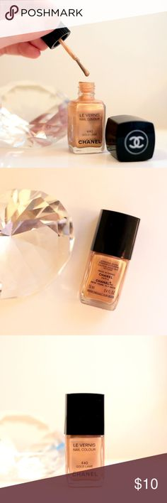 Used CHANEL Le Vernis Nail Polish 440 Gold Lamé Gold Lamé is a medium gold metallic  75% left of Chanel Le Verins nail posish in Gold Lamé (440). Gold Lamé was a limited edition shade from Chanel's Noir Et Or Paris-Shanghai Collection and is a medium gold metallic shade. Made in France. CHANEL Makeup