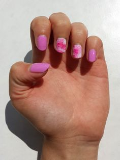 NOTD: NOTD: wiped off streaks: Nail art result with pink polish