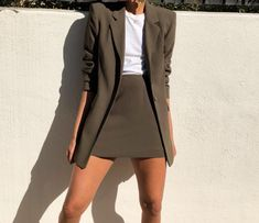 Work outfit for spring - LadyStyle Mode Outfits, Office Outfits, Fashion Outfits, Fashion Tips, Fashion Trends, Blazer Vert Olive, Classy Outfits, Casual Outfits, Mode Instagram