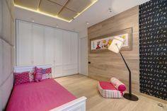 Яркая и функциональная квартира для молодой энергичной семьи спроектирована и оформлена дизайнерской студией Pugach Design в городе Харькове, Украина