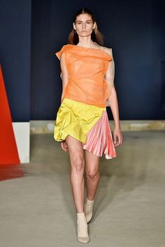 London Fashion Week's Top 10 Trends #refinery29  http://www.refinery29.com/2014/09/74753/london-fashion-week-trends-2014#slide17  Thomas Tait