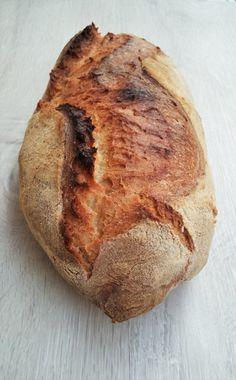 La gioia di produrre da soli il pane con pasta madre, un gesto semplice che regala grandi soddisfazioni