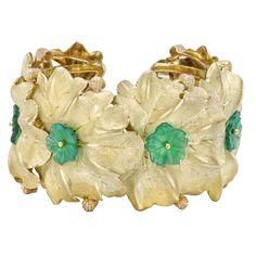 Buccellati 18k Gold Foliate Cuff with Green Chalcedony