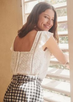 Born in Paris, by Morgane Sézalory, we're for quality, savoir-faire & the perfect cut. Amanda, Diy Vetement, Couture Tops, Trends, Spring Summer Fashion, Summer Chic, Summer Collection, Casual, Summer Looks