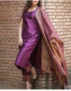 Salwar Designs, Silk Kurti Designs, Kurta Designs Women, Kurti Designs Party Wear, Brocade Blouse Designs, Indian Fashion Dresses, Dress Indian Style, Latest Pakistani Dresses, Latest Salwar Suits