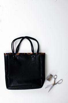 Custodia in ecopelle (eco-leather case) per iPhone 4-4S - Depop