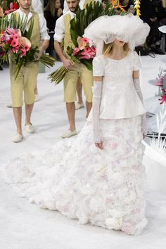 Finale Look at Chanel Couture Spring Summer 2015 Paris Fashion Week Chanel Couture, Couture 2015, Haute Couture Fashion, Spring Couture, Spring 2015 Fashion, Fashion Week, Runway Fashion, Fashion Models, Fashion Show