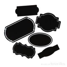 Kit de 36 etiquetas de pegatina y tiza para personalizarlas. Ideales para decorar e identificar tarros de conservas, mermeladas, botellas, regalos... y todo lo que se te ocurra. Incluye:  36 etiquetas de 6 diferentes diseños 1 tiza blanca para decorar las etiquetas