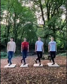 Funny Video Memes, Funny Short Videos, Really Funny Memes, Stupid Funny Memes, Wtf Funny, Dance Choreography Videos, Dance Videos, C Video, Cool Dance Moves