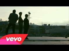 Foster the People - Pumped Up Kicks (This song makes me want to dance, I love songs where they whistle. Sound Of Music, Music Tv, Kinds Of Music, Music Lyrics, Music Is Life, Good Music, Music Books, Indie Music, Old Is Cool