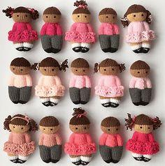 Pretty Izzy-dukker | Gratis strikkeopskrifter | Strikkeglad.dk Knitting For Charity, Knitting For Kids, Easy Knitting, Loom Knitting, Knitting Stitches, Knitting Projects, Knitting Needles, Knitting Toys, Knitting Humor