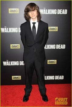 Norman Reedus Makes Epic Entrance at 'Walking Dead' Season 6 ...
