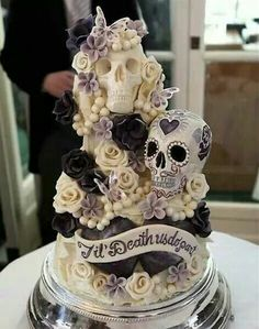Woww now this is a bad ass cake!!