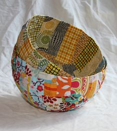 Paper Mache Projects, Scrap Fabric Projects, Paper Mache Crafts, Fabric Scraps, Sewing Projects, Crafts With Fabric, Paper Mache Bowls, Paper Bowls, Fabric Bowls