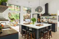 Dynamic Creekside Retreat Invaded by Light and Bright Colors