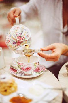 Garden tea party:
