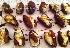 Dátiles rellenos de roquefort Finger Food Appetizers, Appetizers For Party, Elegant Appetizers, Appetizer Buffet, Arabian Food, Tasty, Yummy Food, Appetisers, Cooking Time