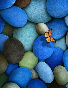 Ver lo invisible,   sentir lo intangible,   lograr lo imposible...   @gantillano    www.astromadesoterica.blogspot.com