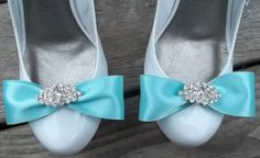 clip on bows
