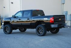 Love love love this truck! closest I've found so far to what I picture of having<3