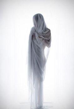 NO by Melania Brescia, via Behance - Inspiration wedding veil photography Portrait Photography, Fashion Photography, Photography Women, Fabric Photography, Figure Photography, Photoshoot, Pretty, Drapery, White Magic