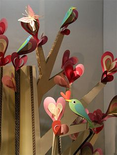 Tenkuni restaurant window display: cardboard tree with birds and hearts (details)